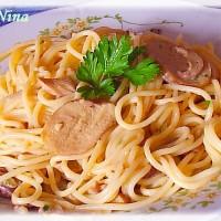 Špageti s umakom od vrganja i vrhnja