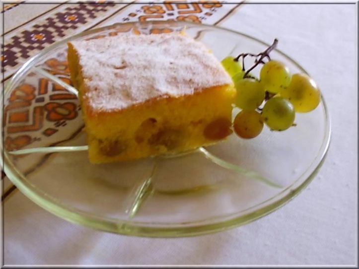 Biskvitni kolač od grožđa