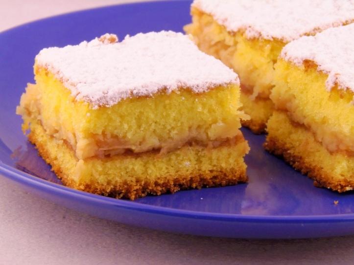 Bakin kolač od jabuka